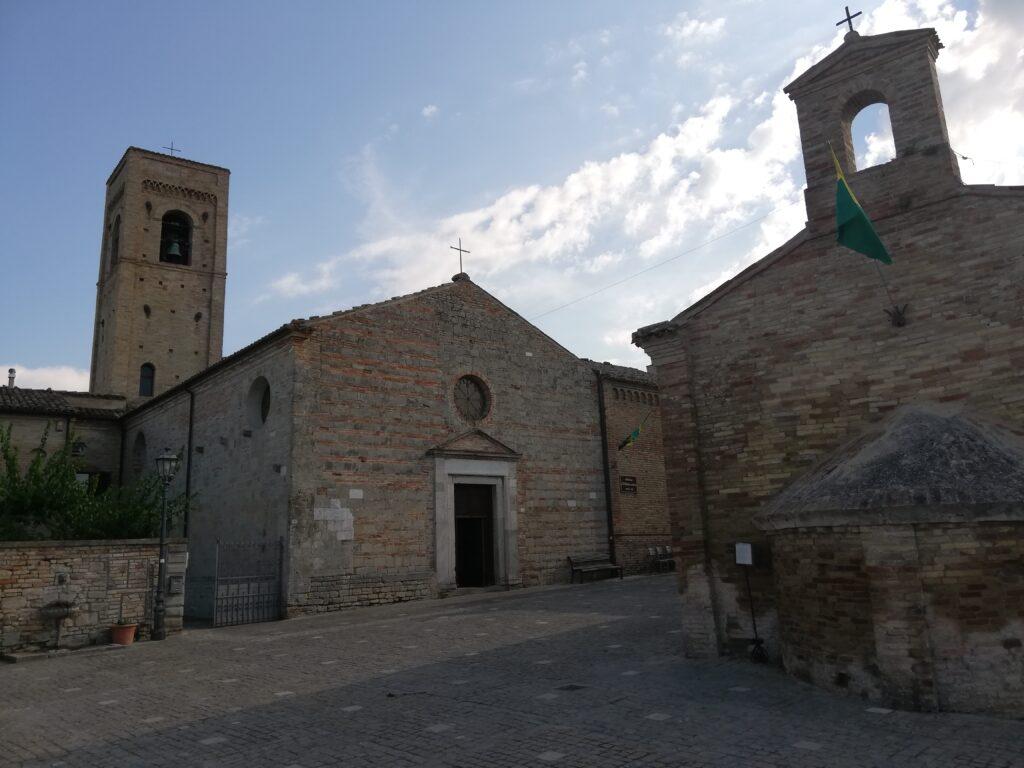 La chiesa di torre di palme